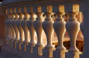 Бетонные балясины – долговечная эстетика