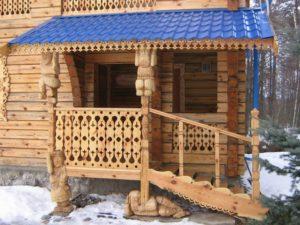 Прелесть деревянного плоского ограждения