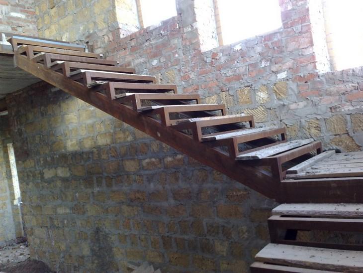 Обшивка лестницы на металлокаркасе своими руками