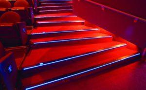 Как выбрать и установить светильники для ступеней