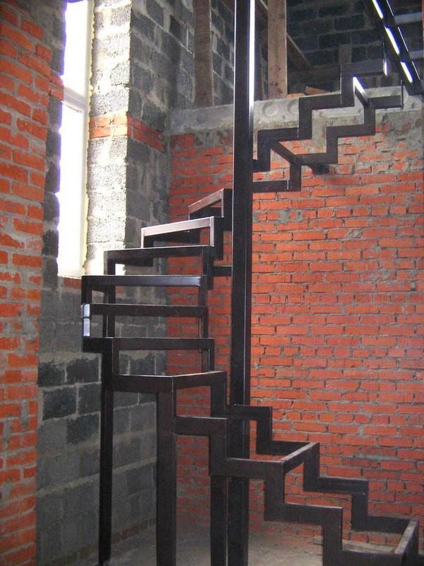 Винтовая лестница своими руками из металла чертежи фото 948