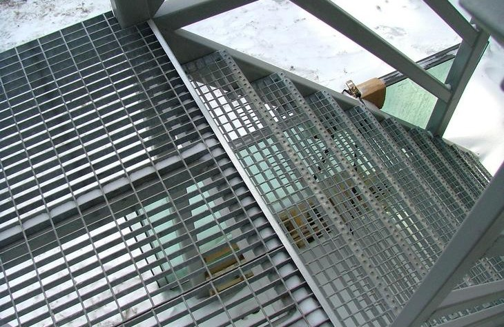 Лестничные ступени железные жби туапсе прайс