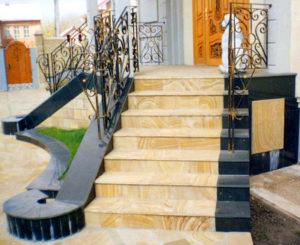 Мраморные лестницы в интерьере дома