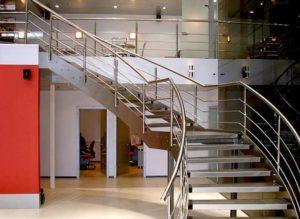 Стальные лестницы — идеальное соответствие высокого качества и стоимости