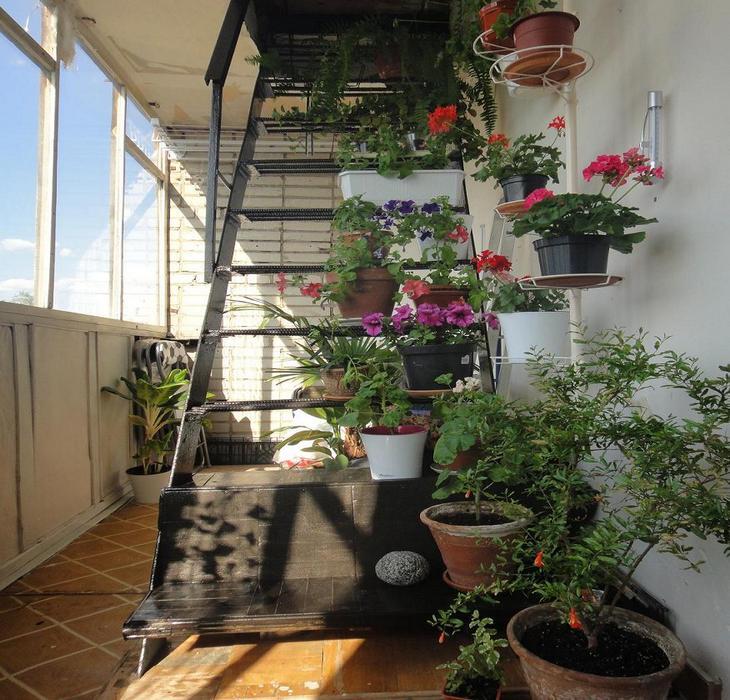 Пожарная лестница на балконе: вид, фото, дизайн.