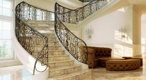 Лестница из камня: основательность и роскошь
