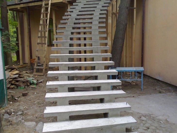 Лестница с бетона своими руками видео
