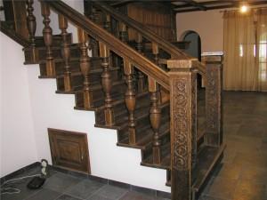 Облицовка бетонной лестницы: дерево, плитка или ламинат?