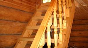 Лестница на тетиве – классика в строительстве
