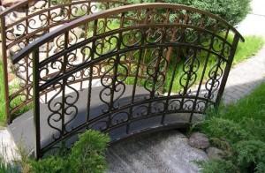 Кованое оформление лестницы