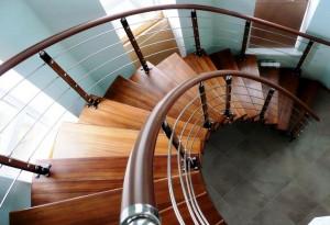 Как правильно выбрать перила для лестниц