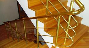 Ступени из разной древесины: отличия и характеристики