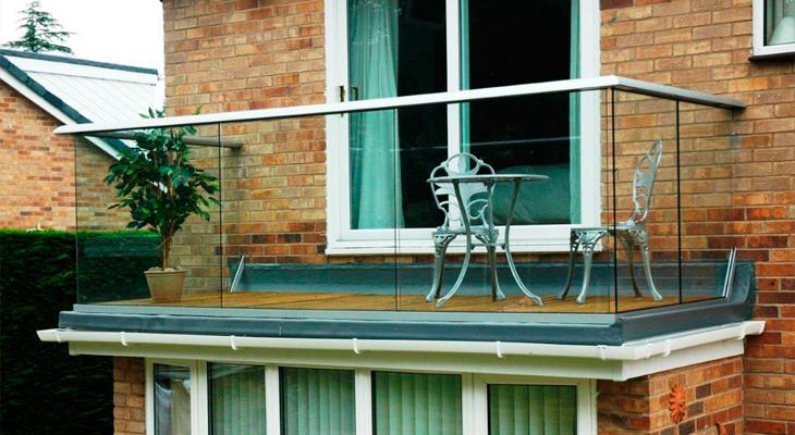 Воздушный и безопасный балкон-терраса