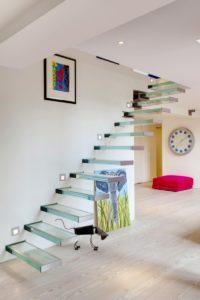 Стеклянные лестницы в интерьере