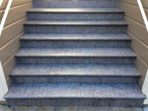 Разновидности лестниц из гранита