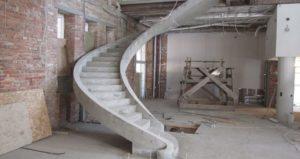 Лестница на тетивах из бетона
