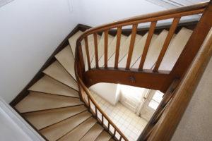 Лестницы с изогнутыми тетивами