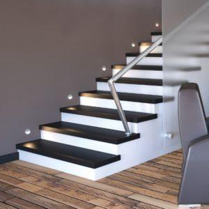 Освещение как средство усиления функциональности лестниц