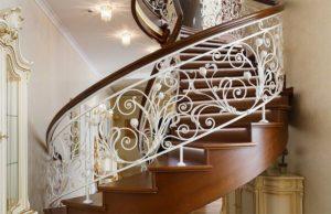 Изготовление кованных лестниц на заказ